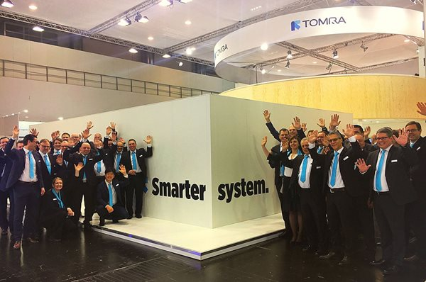 Image of the TOMRA team at EuroShop
